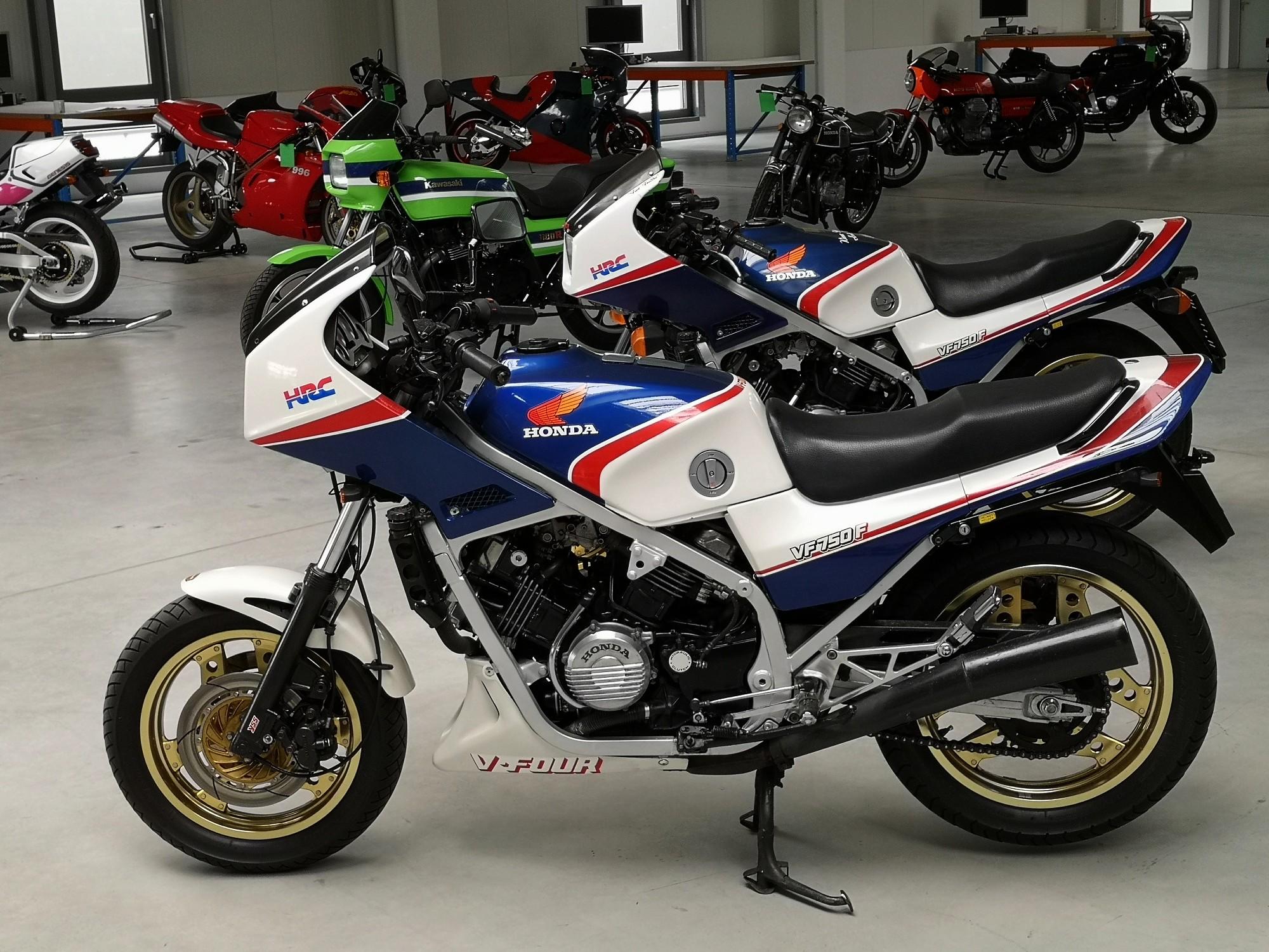 New old motorcycle: HONDA VF 750 F